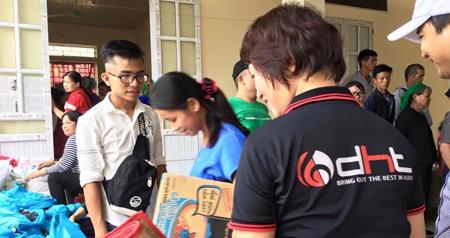 DHTGroup đồng hành cùng các chiến sỹ Tặng quà, khám bệnh, cấp thuốc miễn phí cho người nghèo