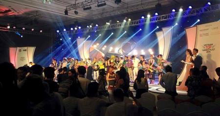 Hệ thống Line Array Pro DG Systems tại sự kiện Vietnam Top Hairstylist 2015